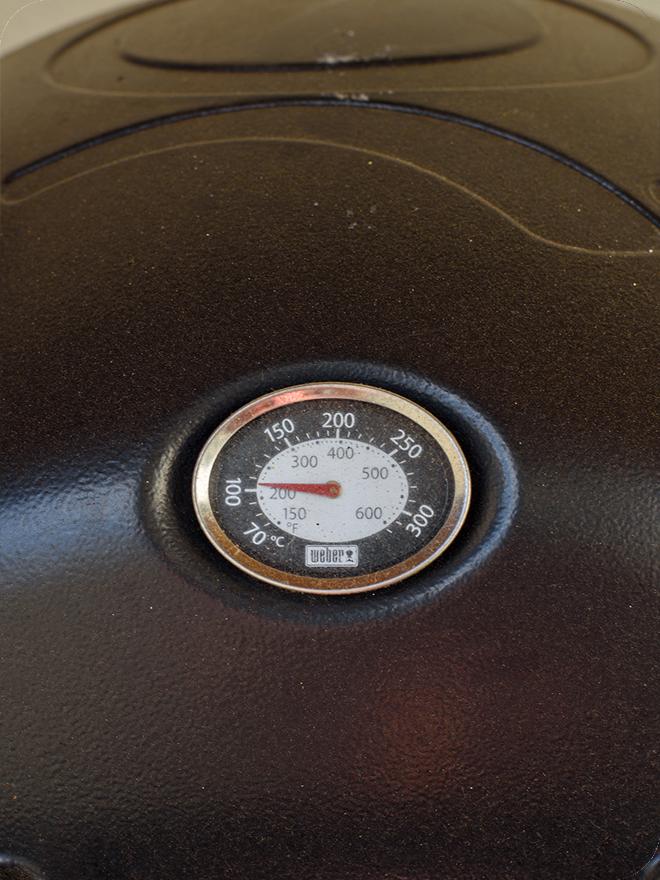Poulet-mariné-fumé-au-BBQ-à-gaz-05
